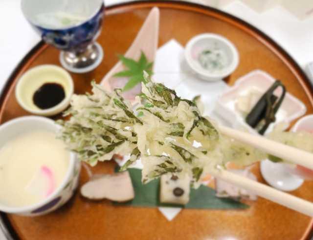天ぷらを挟む箸